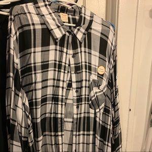 Light long sleeve black white shirt